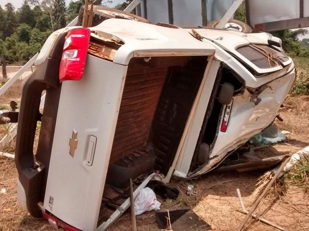 Veículo capotou após ser roubado por adolescentes, segundo a polícia (Foto: Polícia Civil/ MT)
