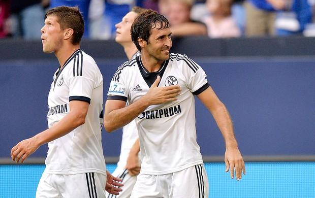 Diante De 78 Mil Torcedores Schalke Bate Al Sadd Em Homenagem A Raúl Globoesporte Com