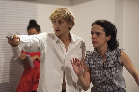 Sílvia Buarque ensaia com Rafael Canedo (Foto: Divulgação)