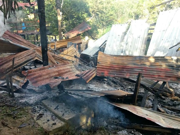 Casa ficou totalmente destruída (Foto: Arquivo Pessoal)