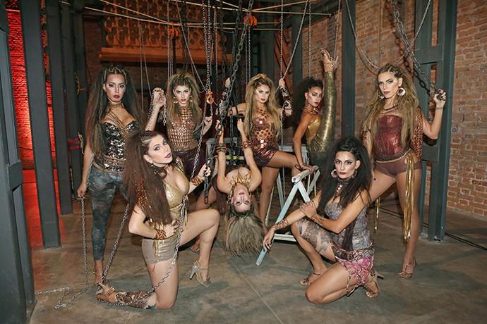 Bailarinas em ensaio inspirado pelo 'Truque Vip' (Foto: Carol Caminha/Gshow)