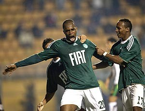 Tadeu gol Palmeiras (Foto: EFE)