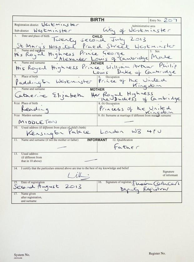 Certidão de nascimento do bebê Real (Foto: Twitter/Reprodução)