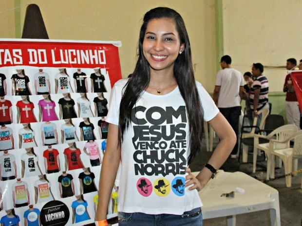 Elizabeth, de 20 anos, faz parte do movimento 'Eu Escolhi Esperar' (Foto: Camila Henriques/G1 AM)
