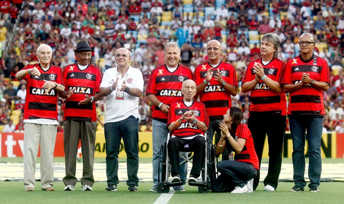 Zico e ex-jogadores Flamengo Maracanã (Foto: Wagner Meier / Agência Estado)
