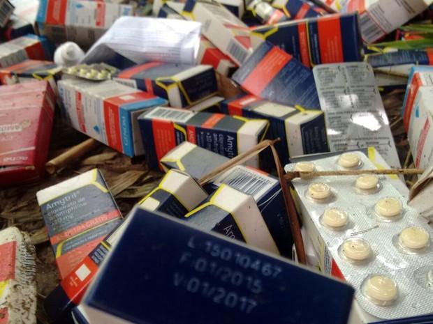 Parte dos medicamentos estava dentro do prazo de validade em Piracicaba (Foto: Wesley Justino/EPTV)