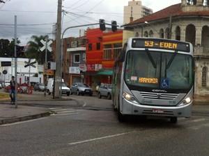 Ônibus voltam a circular em Sorocaba após protesto em apoio ao governo Dilma (Foto: Moisés Soares / TV TEM)