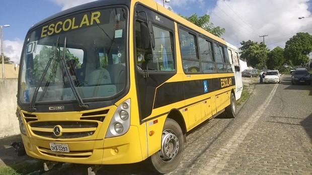 Após o crime, ônibus foi levado para a Delegacia de Plantão da Zona Norte de Natal, onde foi feito Boletim de Ocorrência (Foto: Eduardo Rodrigues/Inter TV Cabugi)