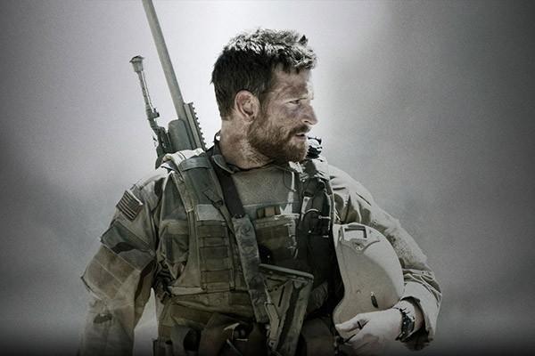Já em sua terceira indicação, as anteriores por 'O Lado Bom da Vida' (2012) e 'Trapaça' (2013) , o primeiro papel de Bradley Cooper foi em um episódio de 'Sex and the City' em 1999 (Foto: Divulgação)
