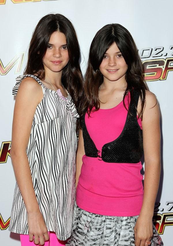 As irmãs Kendall e Kylie Jenner em uma foto antiga (Foto: Getty Images)