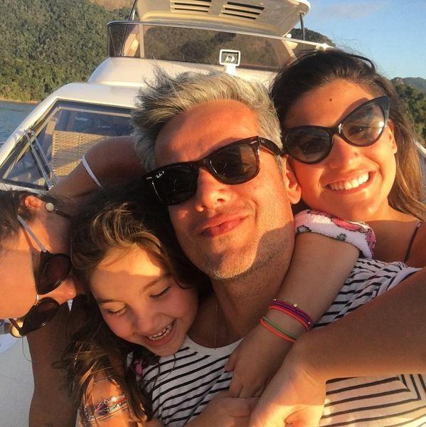 Otaviano Costa e família (Foto: Reprodução/Instagram)
