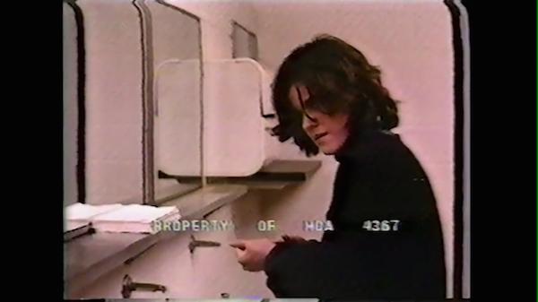 A atriz Ally Sheedy. na cena deletada inédita de O Clube dos Cinco (1985) (Foto: Divulgação)