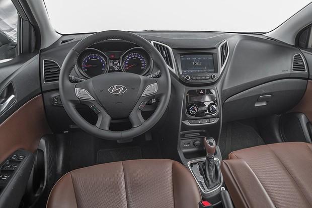 Painel do Hyundai HB20 1.6 Premium (Foto: Marcos Camargo/Autoesporte)