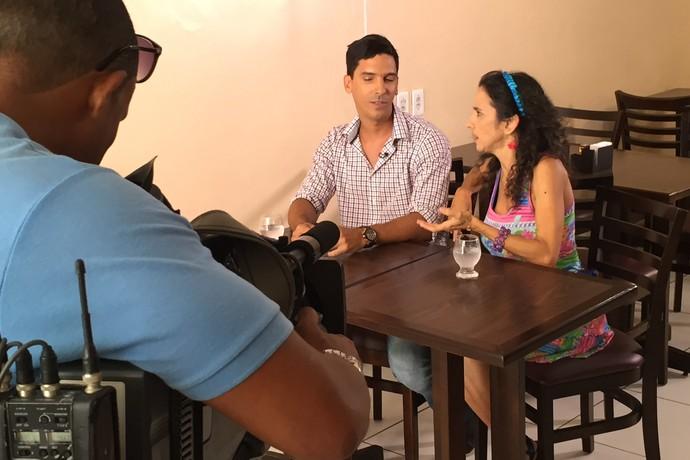 Felipe Araújo é dono de restaurante e conta situações pitorescas (Foto: TV Bahia)