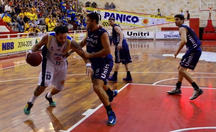 São José Basquete Uberlândia NBB (Foto: Danilo Sardinha/GloboEsporte.com)