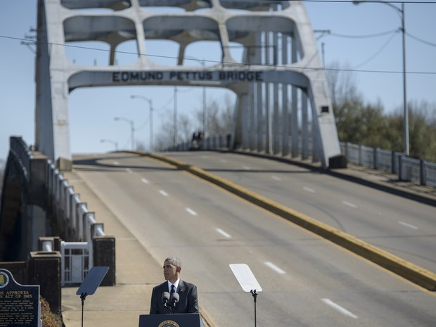 Presidente Barack Obama discursa em Selma, Alabama.  (Foto: Brendan Smialowski/AFP)
