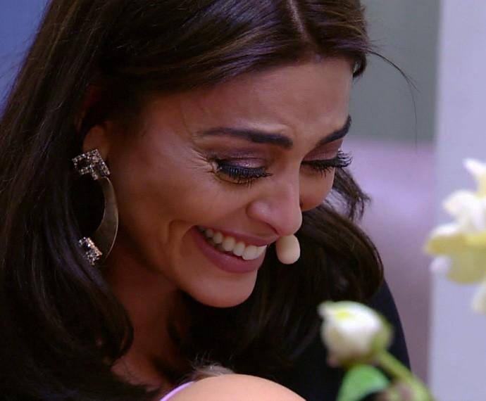 A atriz se deparou com um cenário igualzinho à casa em que viveu na infância (Foto: Globo)