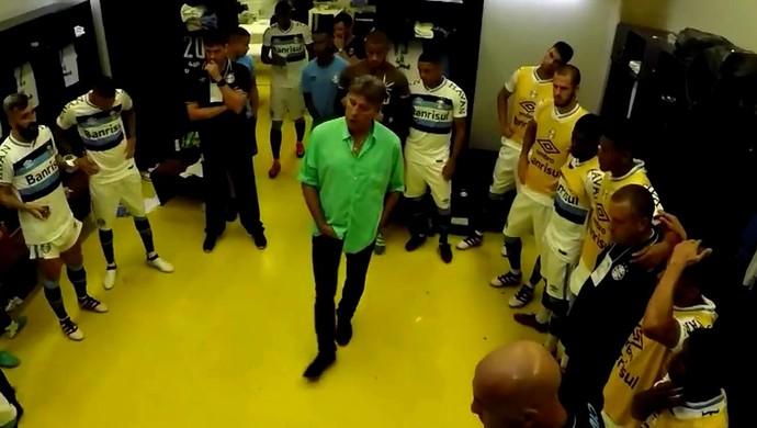 746f2ae3b8 Bastidores  vestiário do Grêmio tem vídeos de família e emoção em final