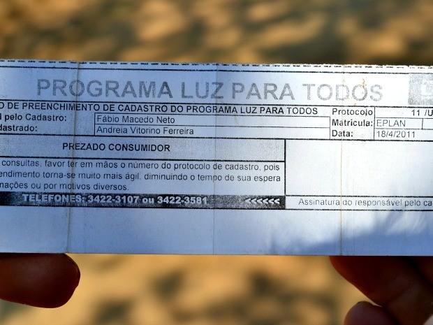 Cadastrados desde 2011, produtores aguardam inclusão no Programa Luz Para Todos, em Ji-Paraná, RO (Foto: Roger Henrique/G1)