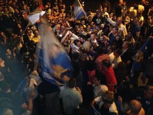 Festa de Marchezan e apoiadores em Porto Alegre (Foto: Emanuel Da Ros/RBS TV)