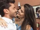 Camila Queiroz se declara para Klebber Toledo: 'Tentações'