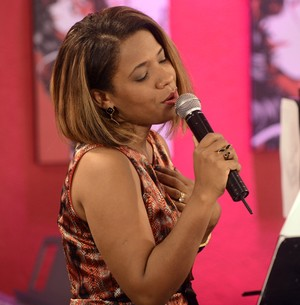 Thalita Pertuzatti prepara CD com pegada pop (The Voice Brasil / TV Globo)