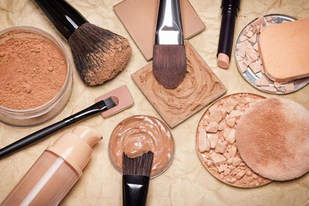 Base, corretivo, pó: produtos essenciais para uma pele perfeita (Foto: Thinkstock)