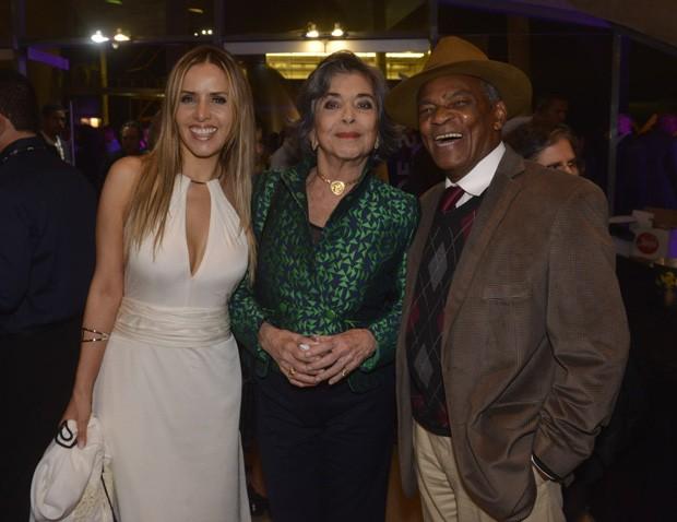 Leona Cavalli, Betty Faria e Antônio Pitanga (Foto: Fabio Cordeiro/Ed. Globo)