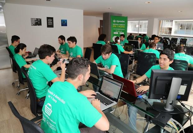 Sede da startup colombiana Mercadoni, que recebeu aporte da Movile (Foto: Reprodução/Medium)