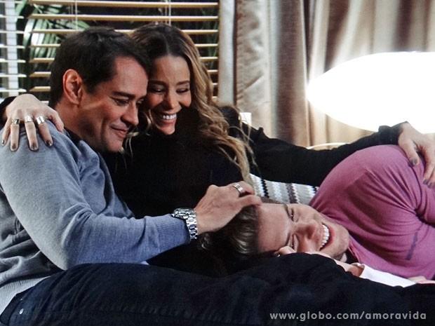 Uma nova família a caminho? (Foto: Amor à Vida/TV Globo)