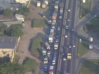 Acidentes causam congestionamento na Via Dutra, no RJ, nesta segunda