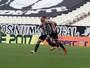 Com gol de Wallace, Ceará larga à frente do Ferroviário por título estadual