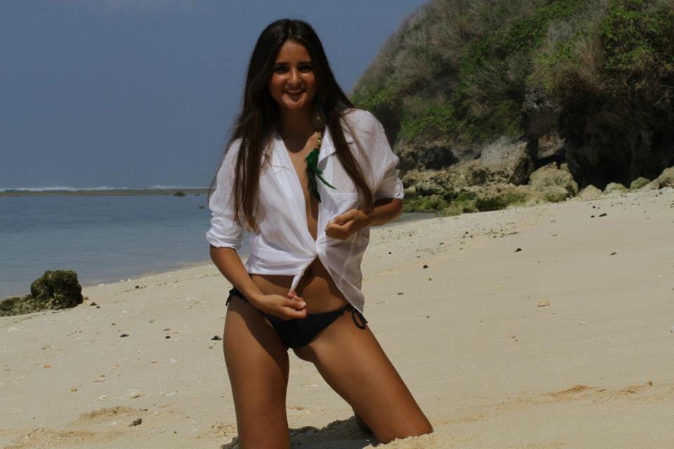 Catarina Migliorini, de 20 anos, vendeu sua virgindade por US$ 780 mil ...