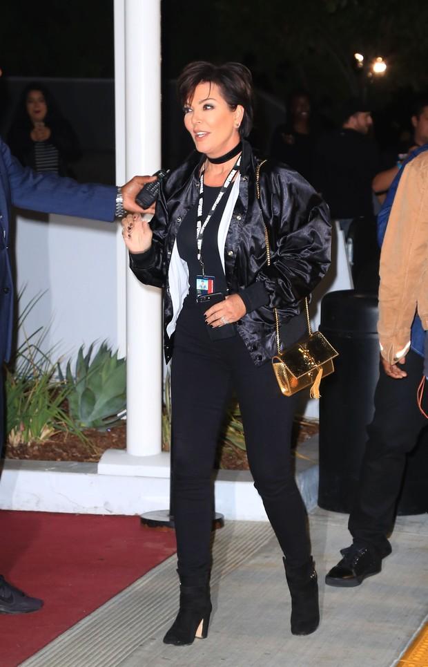 X17 - Kris Jenner em show em Los Angeles, nos Estados Unidos (Foto: X17online/ Agência)