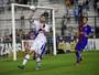 Análise: ataque ineficiente deixa defesa exposta em derrota do Vasco