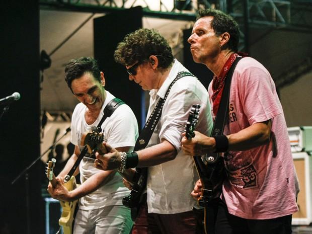Músicos do Titãs animam e se divertem durante o show da virada na Avenida Paulista (Foto: Vagner Campos/G1)