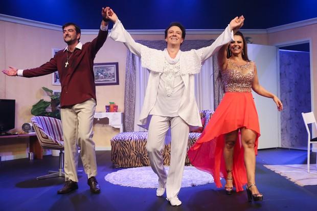 Pedro Fabrin, Eduardo Martini e Viviane Araújo (Foto: Manuela Scarpa/ Ag. Brazil News)