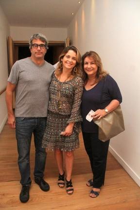 Cláudia Abreu em teatro na Zona Sul do Rio (Foto: Daniel Delmiro/ Ag. News)