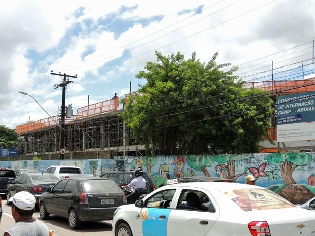 Nova unidade do Cenip, na Av. Abdias de Carvalho, está sendo construída (Foto: Katherine Coutinho / G1)