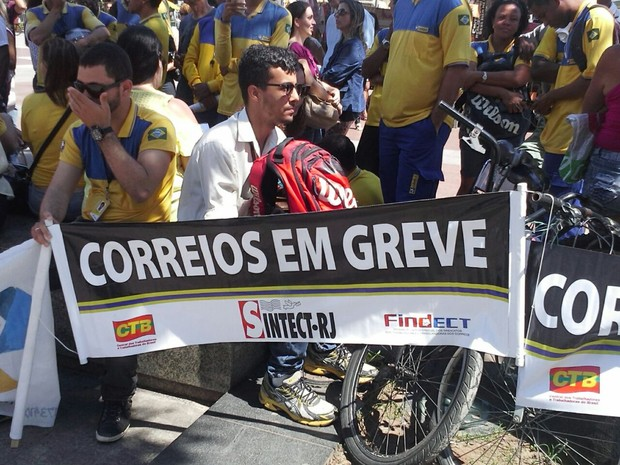 7f51506d3 G1 - Servidores do INSS e dos Correios se unem em protesto em Campos ...
