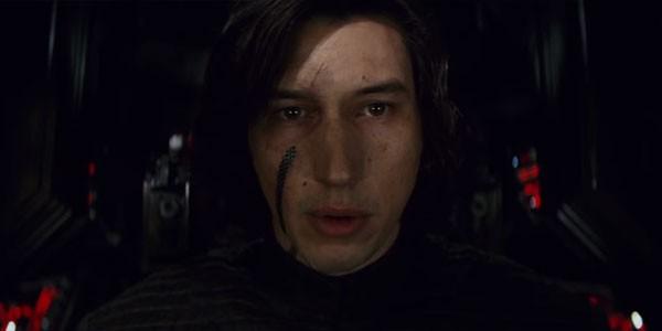 Curativo emergencial: Kylo Ren usará uma espécie de band-aid de última geração para curar a ferida deixada por Rey em seu rosto (Foto: Reprodução)