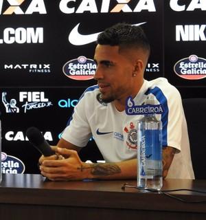 Gabriel coletiva Corinthians (Foto: Diego Ribeiro)