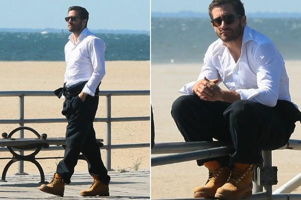 Jake Gyllenhaal ressalta a casualidade da bota (Foto: Divulgação)