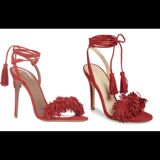 Parecidos? O sapato da esquerda é o da grife Aquazzura e o outro é assinado pela marca de Ivanka Trump (Foto: Divulgação)