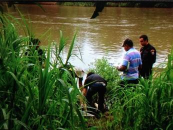 Criança foi resgatada pelo Corpo de Bombeiros (Foto: Reprodução/ TVCA)