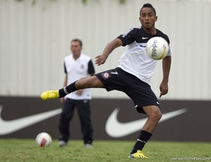 Jorge Henrique treina no Corinthians (Foto: Daniel Augusto Jr. / Ag. Corinthians)