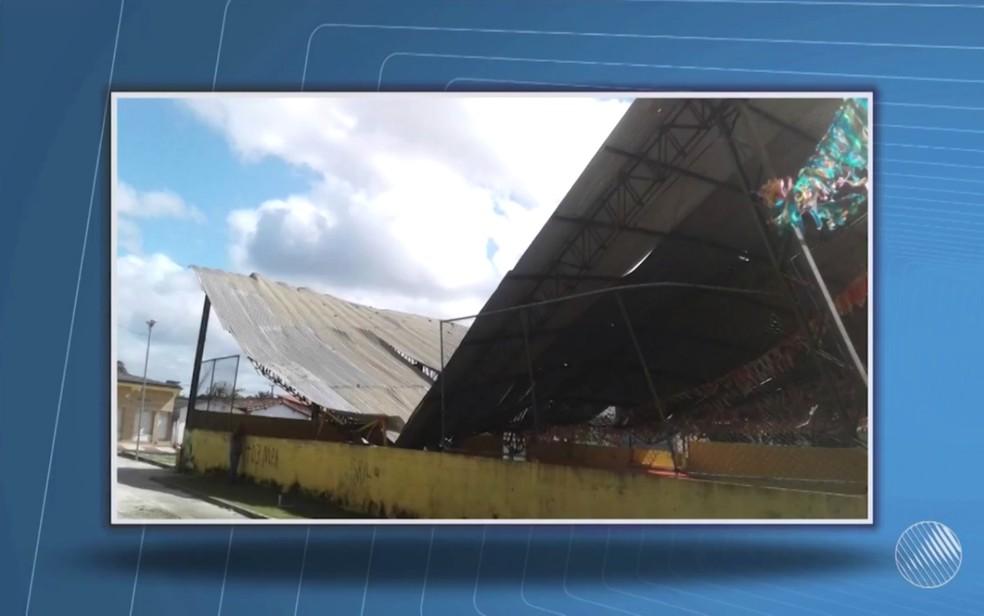Ninguém ficou ferido mo acidente (Foto: Reprodução/TV Santa Cruz)