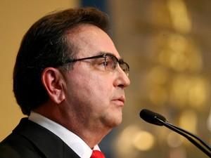 Leônidas de Menezes Cristino, novo ministro da Secretaria Especial de Portos, durante cerimônia de transmissão de cargo, em Brasília, nesta segunda-feira.  (Foto: Beto Barata/Agência/AE)