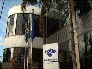 Prédio da Receita Federal em Franca (Foto: Reprodução EPTV)