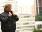 Pablo, do 'Qual é a música?', caminha pela Avenida Paulista à procura do amor